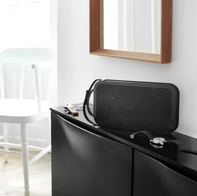RetroFutur - Paris - Canal St Martin - Enceinte - wireless - bluetooth - retro - Vintage - Bang and Olufsen - BO Play - A2 - cuir - metal - 3