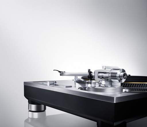 Retrofutur-Paris-technics-SL-1200-g-2