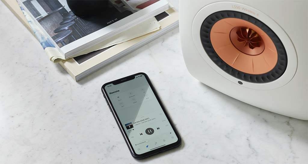 kef-ls50-wireless-ii-smartphone-app-retrofutur